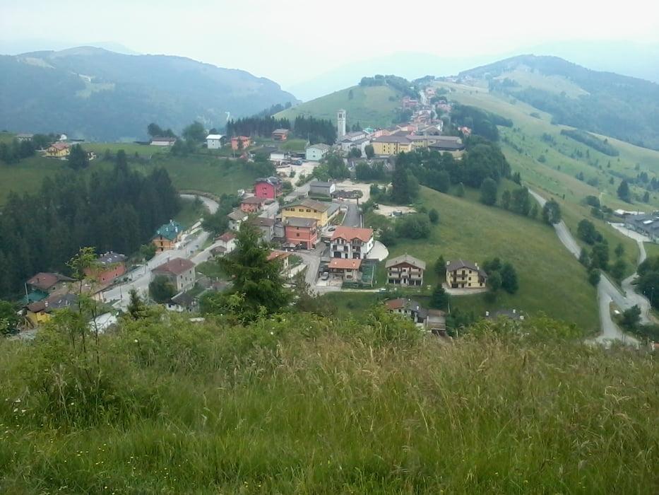 Escursionismo escurs foza monte miela sent 860 tour for B b ad asiago