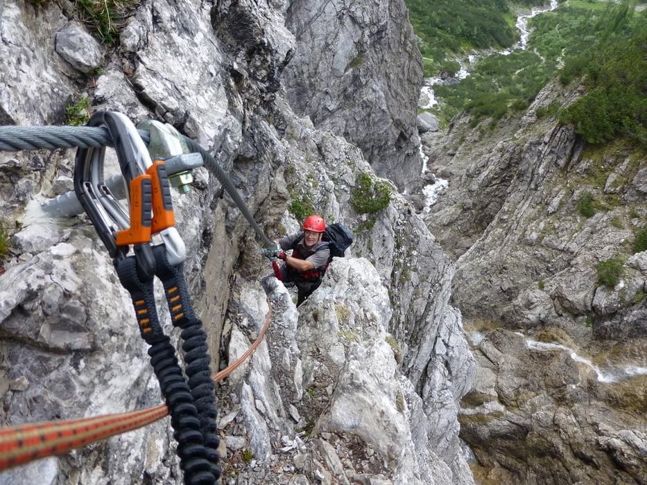 Klettersteig C : Hochkar klettersteig bergmandl heli kraft im test schöner einstieg