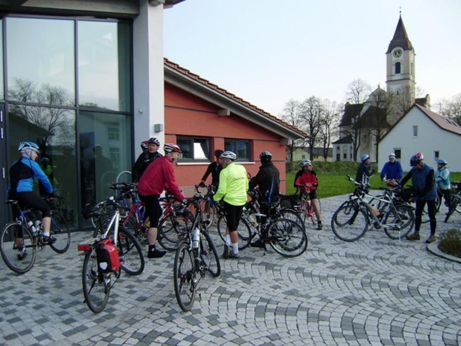 Fahrrad Touring: 20100420 F Dettingen Binnrot TVD Radtreff