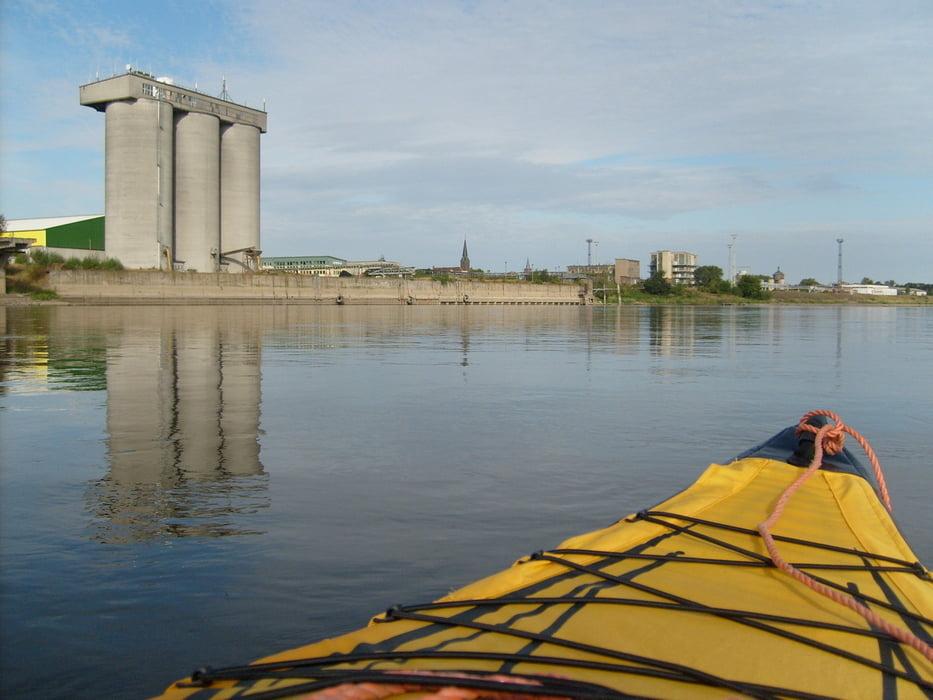 Boot Und Kanu Paddeln Auf Der Elbe Tour 84644