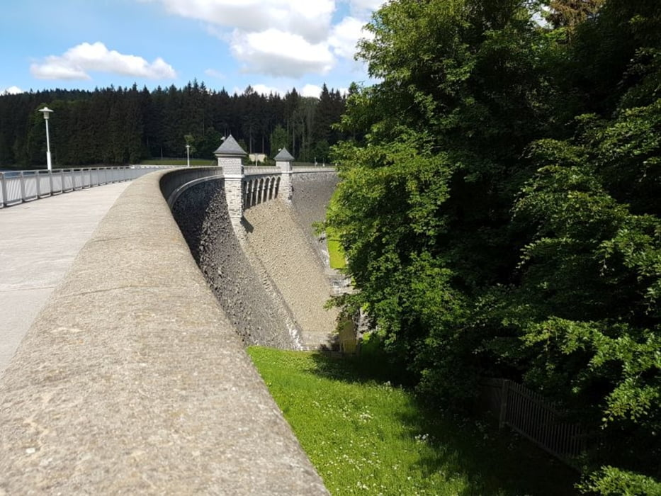Staumauer der Talsperre Neunzehnhain II